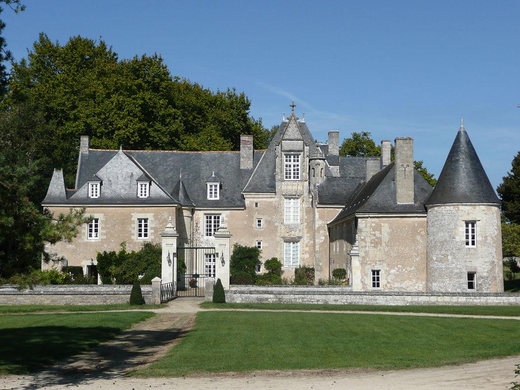1024px louresse rochemenier chateau de varenne 1